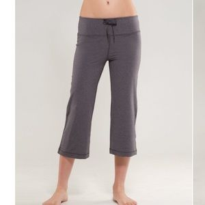 LuluLemon Relaxed Fit Cropped II yoga pants